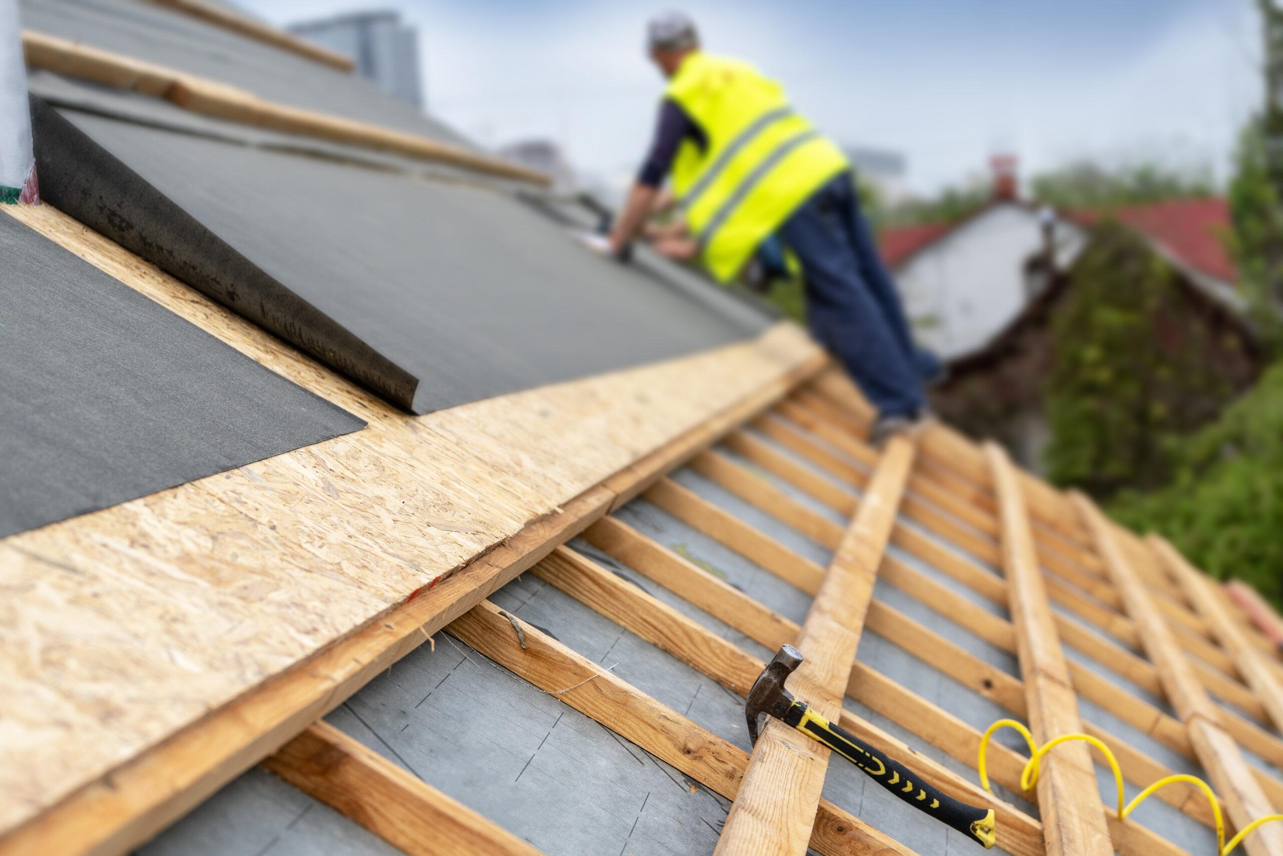 contractors emergency repairing roof